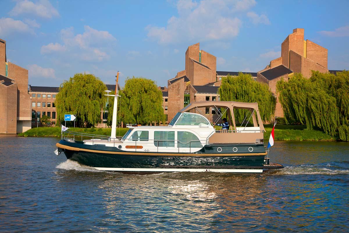 Cruising your motoryacht through Maastricht and surrounding